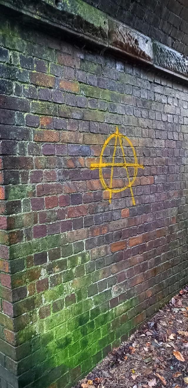 A-Graffiti-before-removal